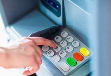 Cách rút tiền ATM
